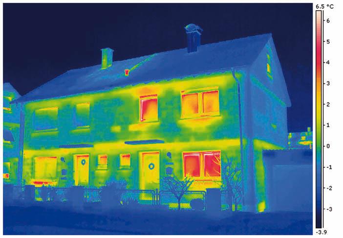Wärmedämmung eines Doppelhaus mit Wärmebrücken - Thermografie