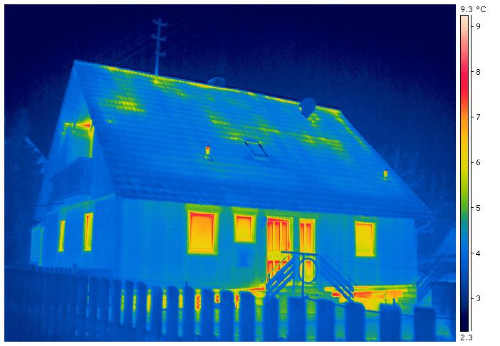 Wärmedämmung eines Einfamilienhauses - Thermografie